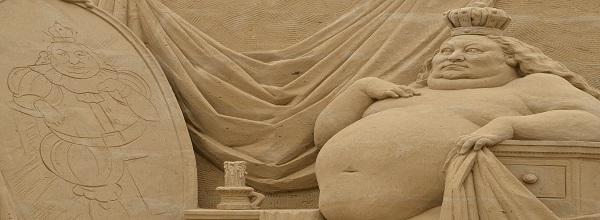 Des Kaisers neue Kleider © Sandskulpturen Festival Usedom