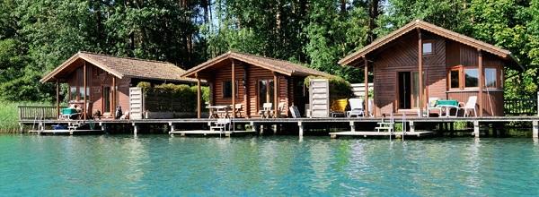 © Inselhotel Brückentinsee. Das Highlight: Die Wasserbungalows direkt am Ufer der Brückentinsees.