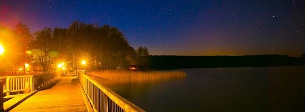 © Inselhotel Brückentinsee. Nachts kann man auch romantisch die Sterne beobachten.