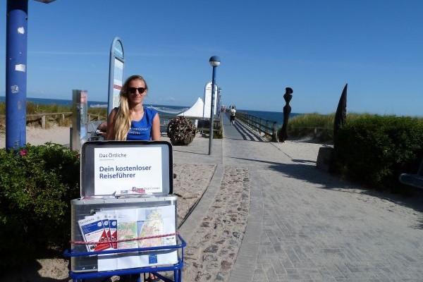 Alina in Zingst vor Seebrücke